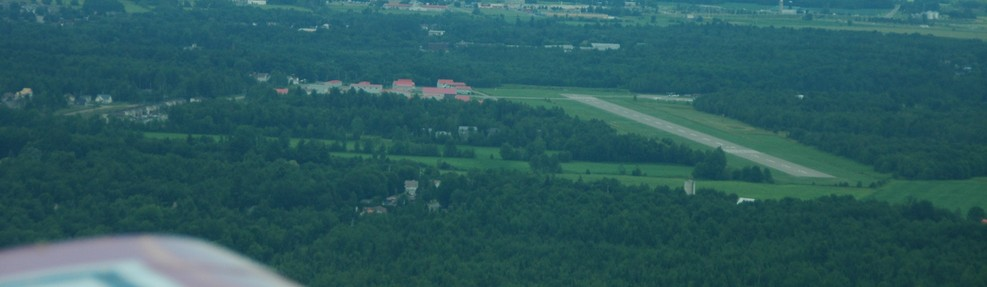 Left Base Leg, Runway 10 Lachute, QC (CSE4) Pilot: Clark Steven - Photo: Matt Steven